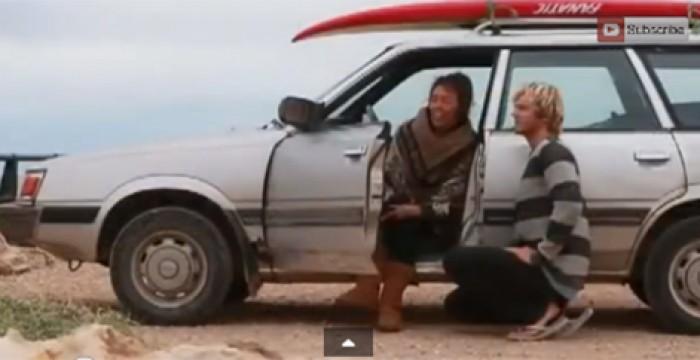 Filho leva a sua mãe paraplégica a surfar