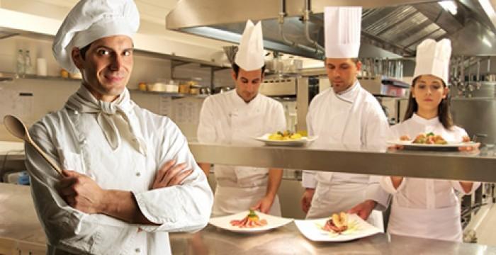 Hotéis em França, Noruega e Reino Unido à procura de Cozinheiros
