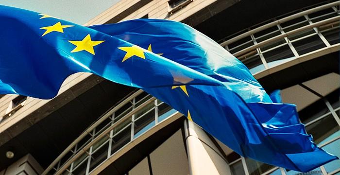 União Europeia está recrutar Agentes Contratuais. Salários entre 1.980,96€ e os 3.246,70€
