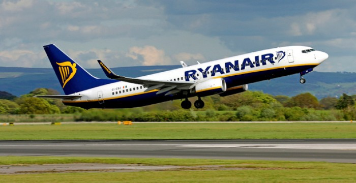 Ryanair: promoção com 100 mil voos a 9,99€ só hoje dia 5 de janeiro