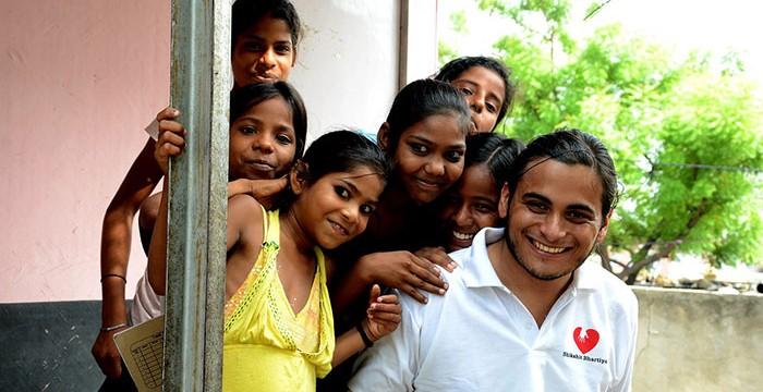 Procuras voluntariado internacional? Estes 10 sites vão ajudar-te