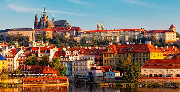 Praga: empresas recrutam fluentes em português para a capital da República Checa