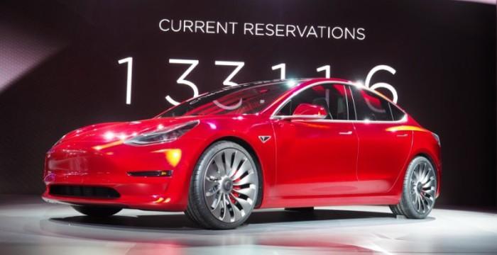 Setor automóvel: norte-americana Tesla está a recrutar em Portugal