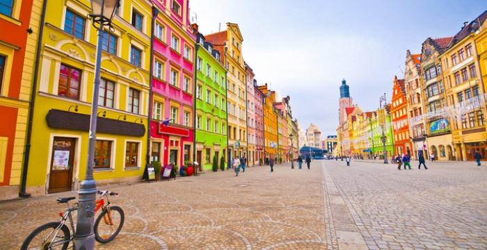 Cracóvia: cidade polaca tem dezenas de vagas para quem fale português