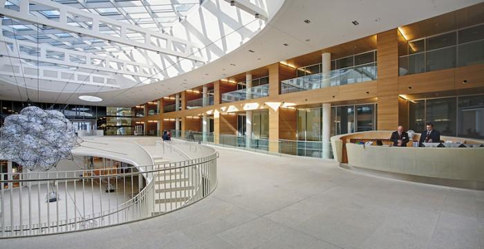 Instituições da UE abrem concurso para Administradores e Assistentes no setor dos edifícios. Há 89 vagas