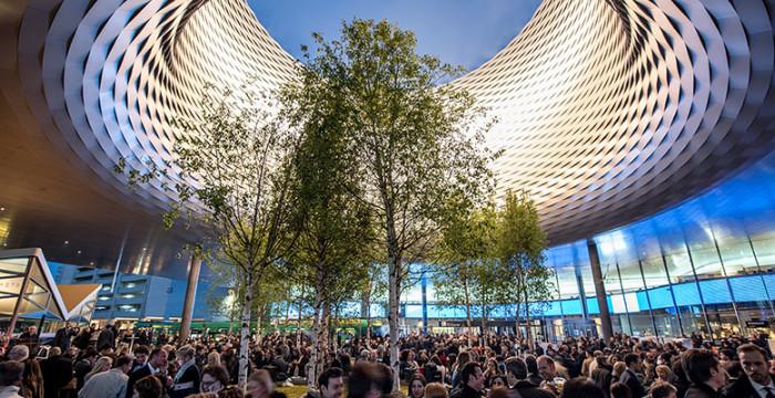 Cidade de Basel na Suiça com diversas multinacionais a recrutar