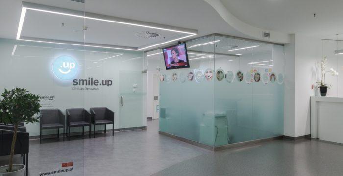 Clínicas Smile.up recrutam em várias áreas por todo o país