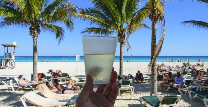 Ser turista em Cancun por seis meses? Candidata-te e podes receber mais de 8 mil euros mensais