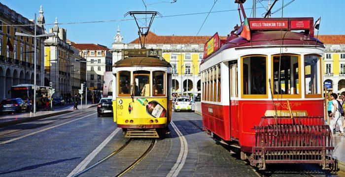 Lisboa: mais mil vagas em creches e fiscalização de refeições nas escolas