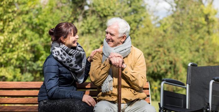 Evento em Faro: quer trabalhar como auxiliar de geriatria no Reino Unido?