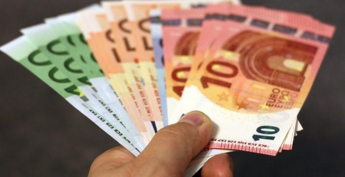 Bruxelas dá 1.º passo para o salário mínimo europeu. Será bom para os trabalhadores?